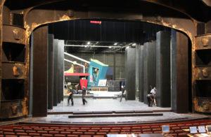Vergilbte Kunst? Hinter den Kulissen arbeiten deutsche Stadt- und Staatstheater durchaus mit Mitteln des 21. Jahrhunderts. (Foto: Michael Sommer).
